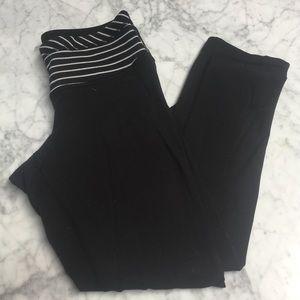 Lululemon size 2 black white stripe Capri legging